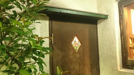 お手洗いの扉